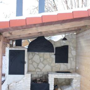 Grill, palenisko, okap, komin, szafki- dom prywatny