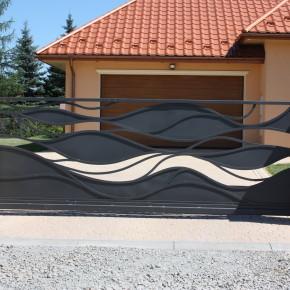 Ogrodzenie, balkony, forma organiczna, dom prywatny
