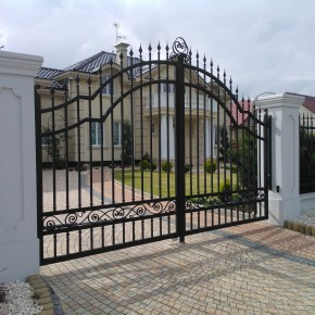 Brama, przęsła i furtki, dom prywatny