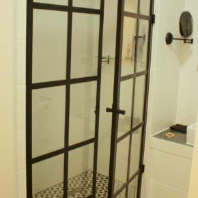Przeszklenie PRYSZNICOWE / Crittall / prysznic, mieszkanie prywatne